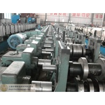 Auto Swisss Electric Cabinet Purlin Roll Forming Machine (BOSJ)