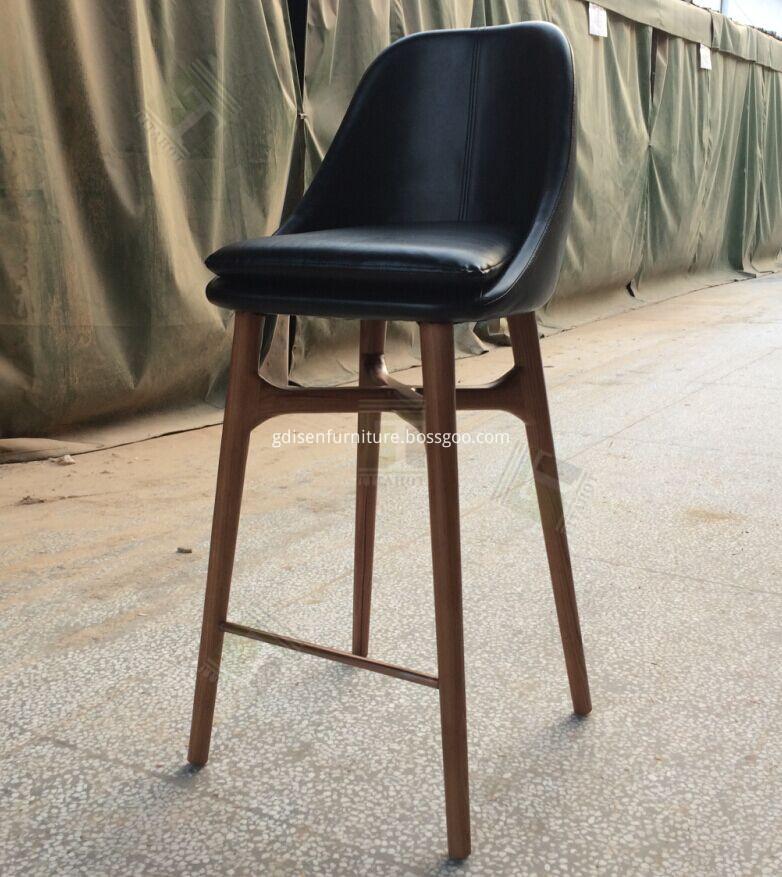 Solo breakfast bar stool