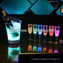 Vaso de agua iluminada LED