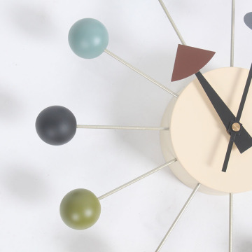 George Nelson Ball Clocks por Vitra em coloful