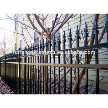 High Quality Spraying Plastic Sharp-Top Steel Fence