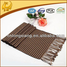China Wholesale Houndstooth Yarn Dyed 100% Silk Natural Silk Scarf With Tassel