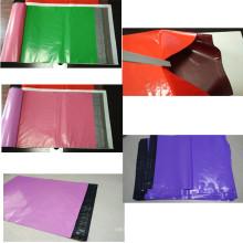 Sac en plastique léger de vêtement de couleur avec le joint d'adhésif