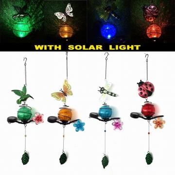 Großhandelsmetallgarten-hängende Dekoration mit Glasball-Solarlicht