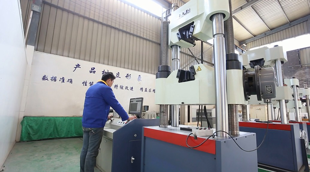 Hydraulic-universal-testing-machine-with-worm-gears-bolt-tensile-strength-testing-machine