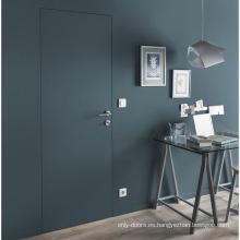 Puertas invisibles de roble de diseño moderno con puertas de madera para ocultar.
