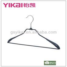 Cintre en métal revêtu de PVC