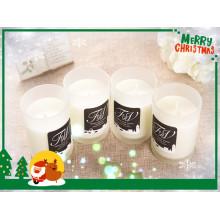 Varias velas perfumadas de cera de soja para Navidad con etiqueta privada