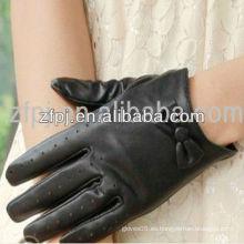 Estilo negro corto de las mujeres de los guantes de la Navidad