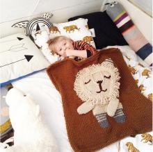 बच्चे कार्टून कंबल के साथ शेर crochet