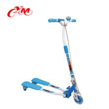 оптовая высокого качества ребенок удар скутер/педаль пинком scootr для детей/лягушка 3 колеса самокат собственной личности балансируя с дешевой цене
