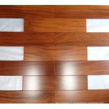 Plancher en bois d'iroko préfini de qualité AB