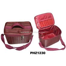 saco de beleza impermeável de alta qualidade com vários bolsos no fundo do saco e tampa