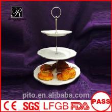 P & T fabrique de céramique stands de gâteau en porcelaine, stands de gâteau de mariage, assiettes en argent