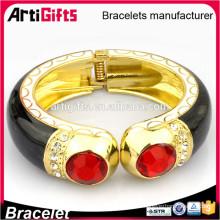 Pulsera hecha a mano barata barata del oro de la pulsera del metal para los ancianos