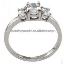 Großhandel billig benutzerdefinierte Edelstahl Modelle Ringe für Frauen in 3 Zirkon