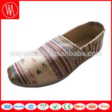 wholesale дешевые цветные холщовые туфли без шнуровки женские женские туфли на плоской подошве холст чешские мокасины женские