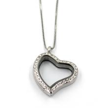 Collier pendentif en forme de coeur en acier inoxydable