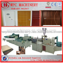 Clé à clé PVC WPC ligne de production de porte PVC en poudre + poudre de bois Bois composite composite porte ligne de production