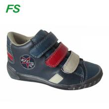 Zapato de niños de estilo nuevo