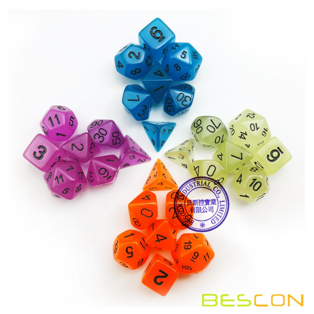 Ensemble de 7 Glow in the Dark Polyhedral Dice (7 Die in Set) | Rôle des jeux de rôle | D4, D6, D8, D10, D%, D12 et D20