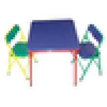 Mesa e cadeiras para crianças coloridas e quentes