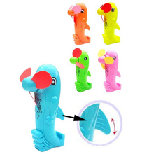Cartoon Kunststoff Spielzeug Delphin Tier Mini Hand Fan mit fünf Farben (10228388)