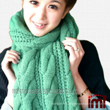 Free knitting instructions for Modern Cable Scarf