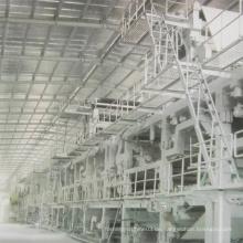 Zeitungspapier, das Maschine herstellt