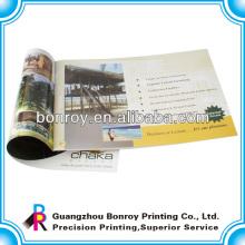 Brochure de papier d'art 157g piqûre à cheval