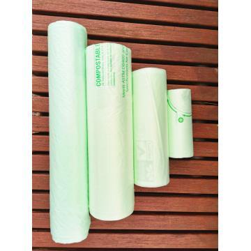 Sac poubelle en plastique compostable biodégradable sur rouleau