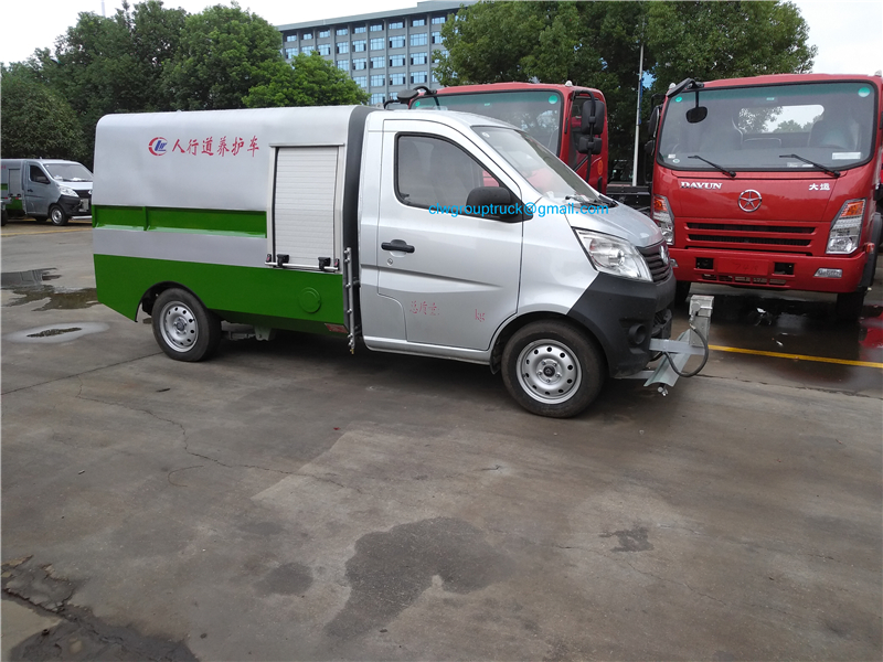 Road Cleaning Truck 2
