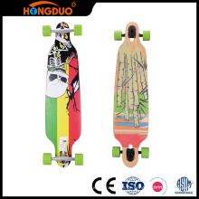 Preços coloridos baratos em madeira longboard skateboard da China