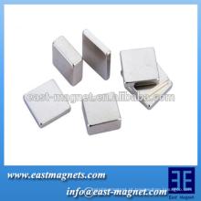 Personalizado Industrial / eletrônico Rare Earth sinterizado NdFeB Magnet Blocks