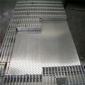 grille en acier dans les mezzanines en Arabie saoudite