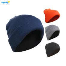 Sombrero tejido de invierno y al aire libre