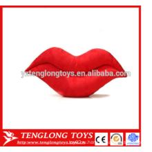 Большие красные сексуальные губы набивают подушки плюша подушки в форме плюшевой игрушки на День святого Валентина