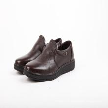 Homens designer sapatos de salto alto vestido de couro