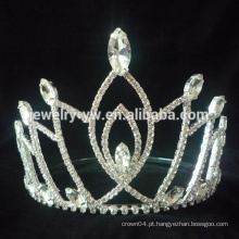 Novo produto e as coroas de cristal e tiaras forma única forma