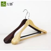 Горячий продавать оптом дерево отель костюм вешалка для одежды производитель