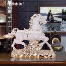 Decoração de decoração personalizada Ornamento de cavalo Ornamento de escritório de resina de Natal Ornamento de escritório
