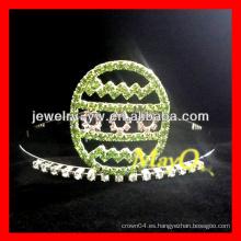 La corona verde del desfile del huevo del rhinestone de Halloween