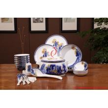 Vaisselle blanche et bleue de luxe de haute qualité