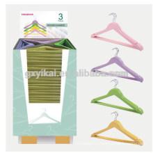 Набор из 3-х деревянных вешалок для одежды разных цветов