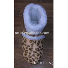 Home shoes with leopard