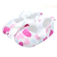 Розовые сердца Детские платья для девочек Зимние малыши Девушки Необычные туфли