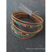 Multicolor de Bohemia y múltiples filas de abalorios pulseras