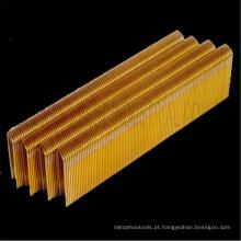 Grampos de arame médios para construção barata