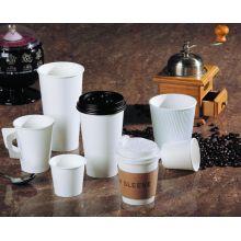Varios vasos de papel del café del estilo de la UE