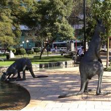 Grande sculpture en bronze de statue de kangourou